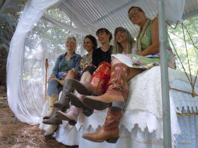 5262c0b58f9 MaryJanesFarm Farmgirl Connection - Cowgirl boots with skirts